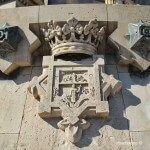 escudo monumento Cristóbal Colón
