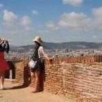 turistas en el mirador del Castillo de Montjuïc
