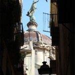 Virgen de la Mercè vista desde la calle Carabassa
