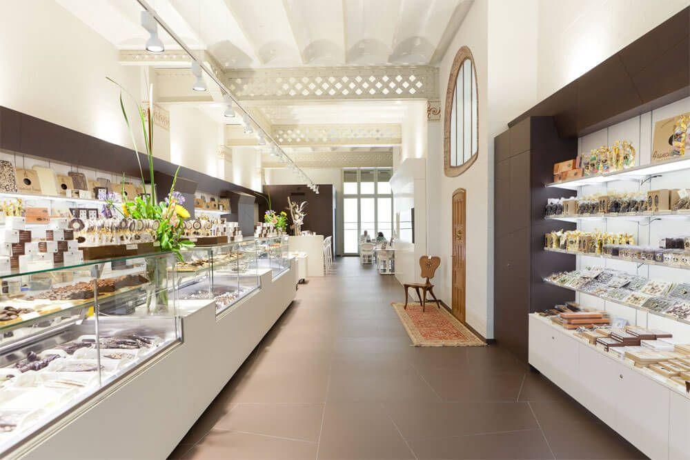 interior de la chocolatería Brescó