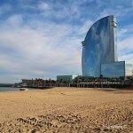 vistas del W Barcelona desde la playa