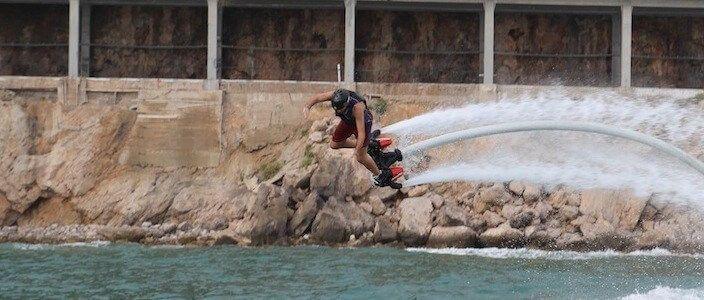 Flyboard en Barcelona y Castelldefels, disfrutando del deporte acuático de moda