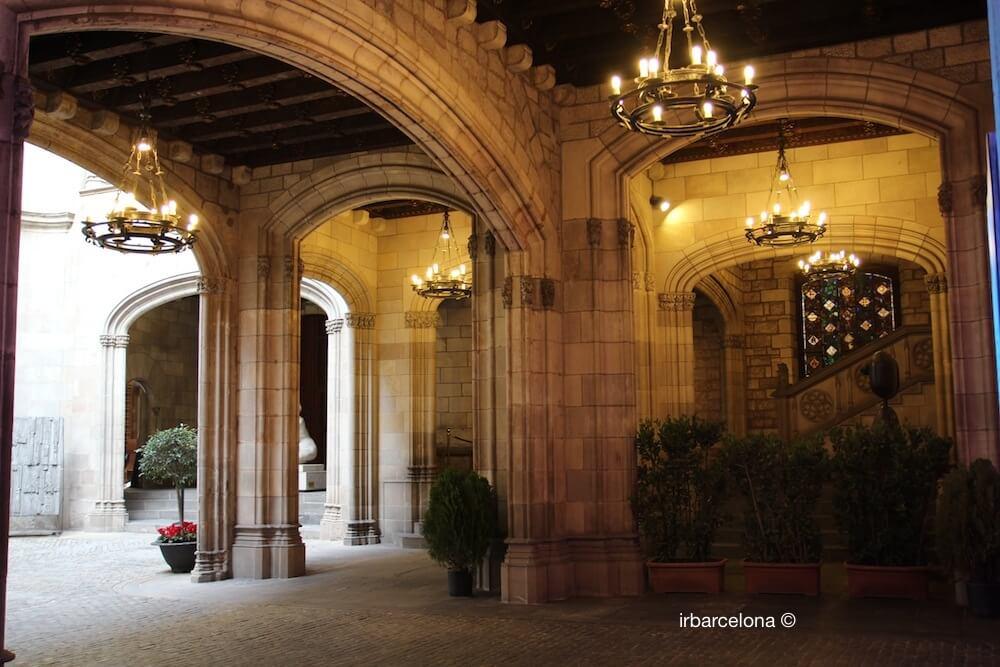 cortile Municipio Barcellona