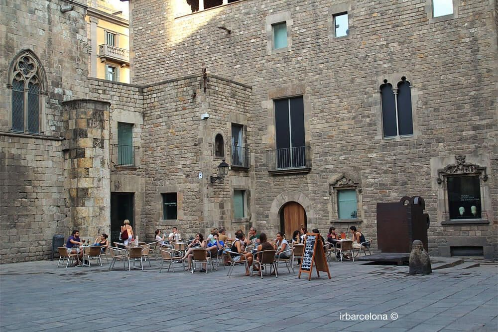 terraza en la plaza del Rey