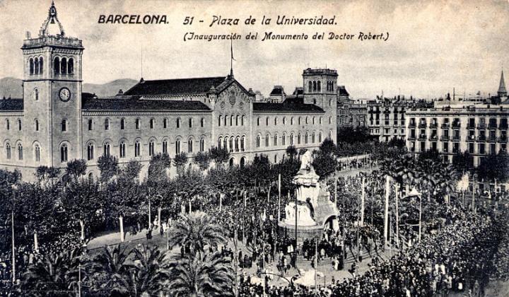 monumento Bartomeu Robert Plaza Universidad