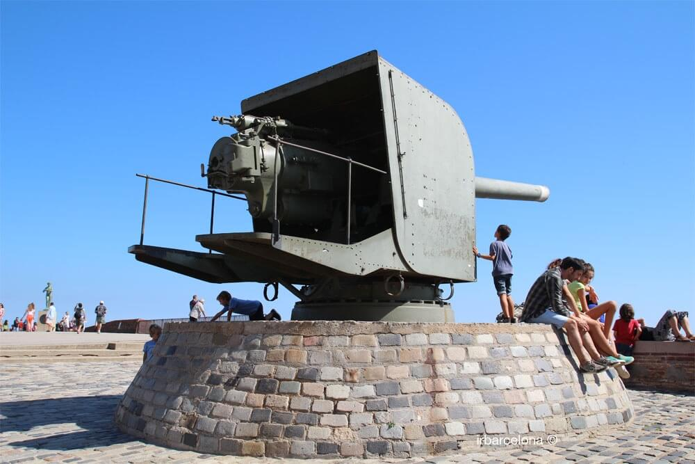 armamento en el Castillo de Montjuïc