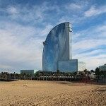 Hotel W Barcelona desde la playa