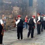 trabucaires entrando a la calle del Bisbe