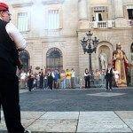 trabucaires en círculo en la plaça de Sant Jaume