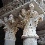 capitel columna claustro