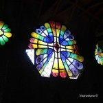 vidrieras interior Cripta Gaudí