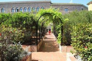 Casa Convalescència i Mercè Rodoreda gardens
