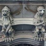 gárgolas fachada del palacio