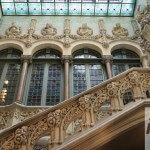 vidriera y escalera monumental