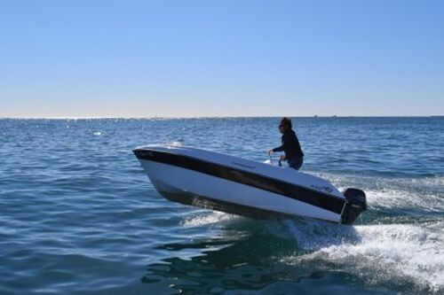 alquiler barco sin licencia